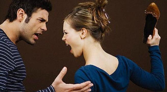 Vợ văng tục, chửi chồng là thằng điên