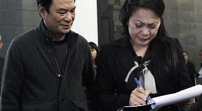 Nghệ sĩ ký đơn xin danh hiệu cho Văn Hiệp