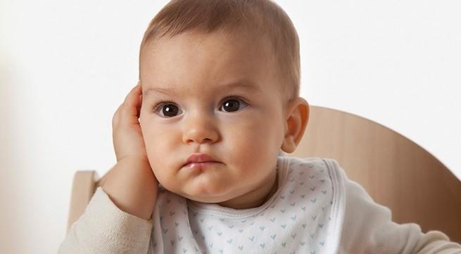 Tóc mọc chậm do bé thiếu kẽm và vi chất dinh dưỡng