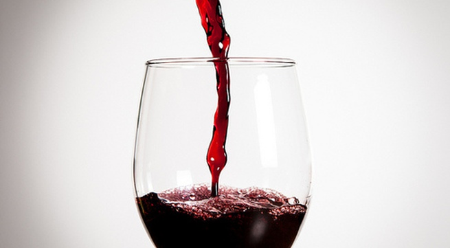 Cách làm đẹp da đơn giản từ mặt nạ rượu vang
