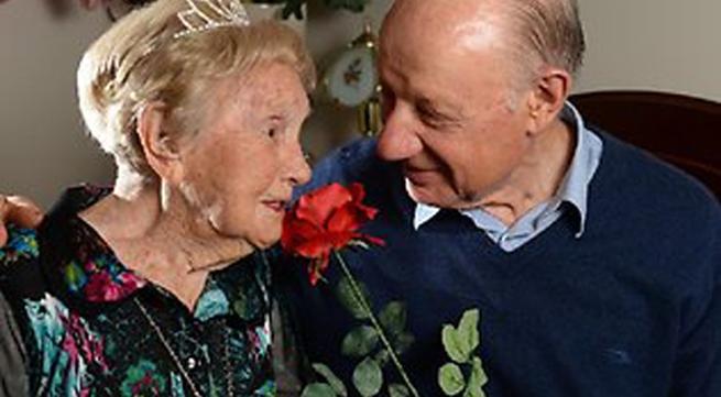 """Tình lãng mạn của cụ bà 106 và """"phi công"""" tuổi 73"""