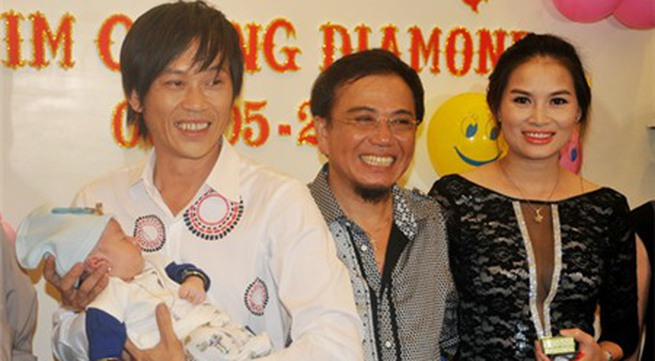 Hoài Linh nhận con gái Hồng Tơ làm con nuôi