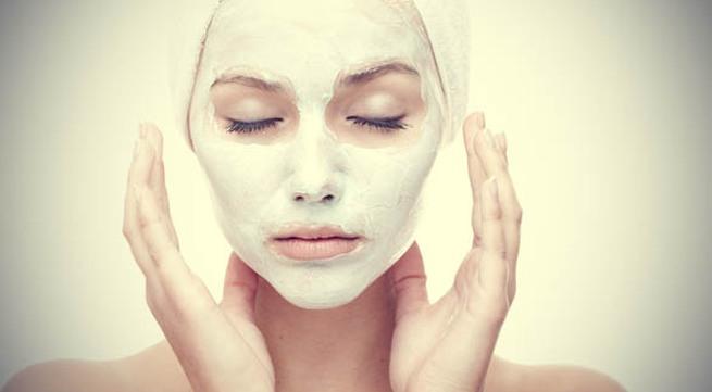 Tự chế mặt nạ trắng da hoàn hảo cho 3 loại da thông dụng