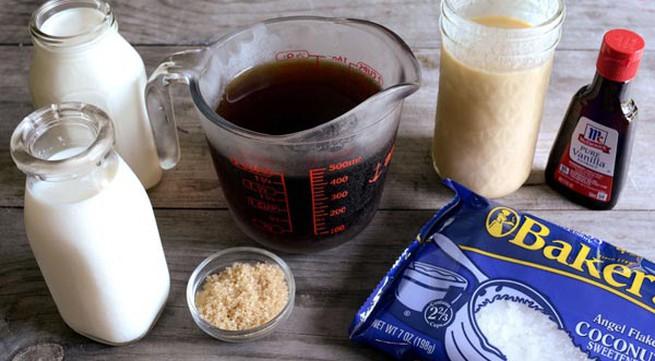 Tự làm kem cà phê dừa nạo mát lịm người