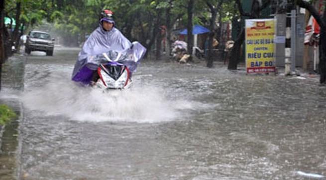 Hôm nay, Hà Nội vẫn có mưa to, gió giật