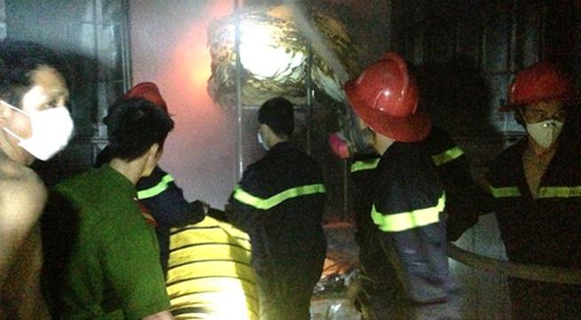 Cháy cửa hàng gần chợ vải lớn nhất Hà Nội