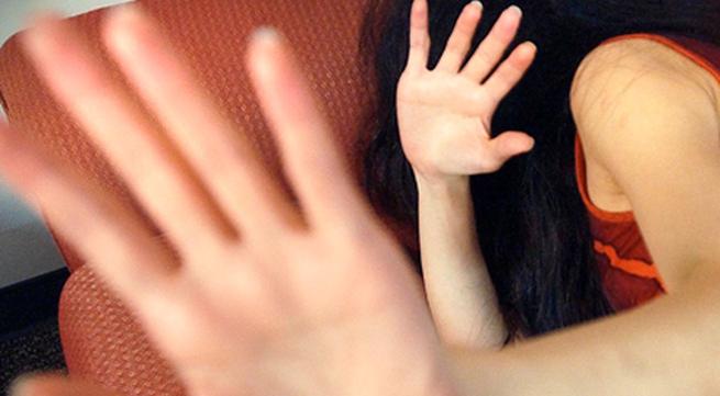Xót xa em gái 15 tuổi bị anh trai cưỡng hiếp đến mang thai