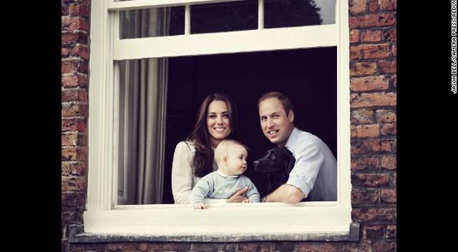 Đáng yêu Hoàng tử George tròn 8 tháng