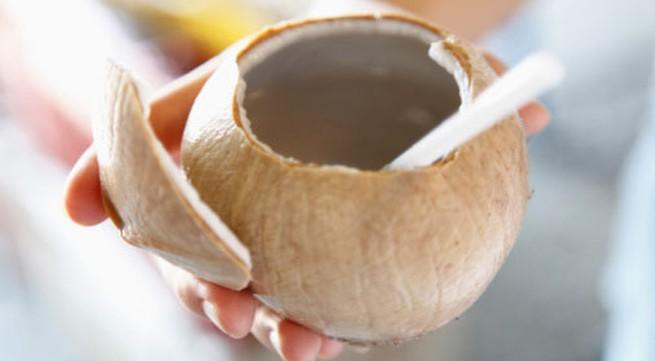 6 lợi ích sức khỏe khi bạn uống nước dừa