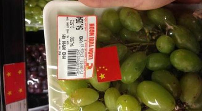 Big C xin lỗi về sản phẩm nho Việt dán cờ Trung Quốc