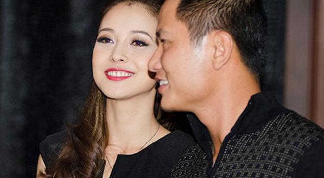 Jennifer Phạm rạng rỡ bên chồng ở Hà Nội