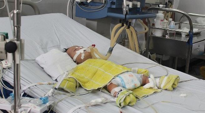 Cứu sống bé gần 3 tháng tuổi bị bệnh tim hiếm gặp