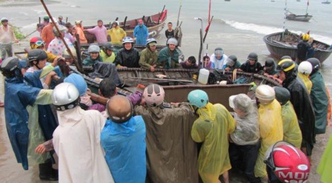 Cận cảnh người dân Đà Nẵng chuẩn bị đối phó bão số 8