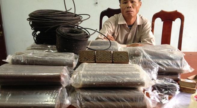 Mang thuốc nổ từ Nghệ An vào Quảng Nam để đi làm vàng