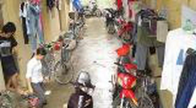 TP HCM: Các chủ nhà trọ cùng chia sẻ khó khăn với công nhân