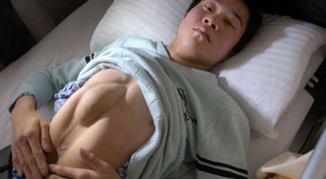 Kỳ lạ chàng trai có tim nằm trên ổ bụng