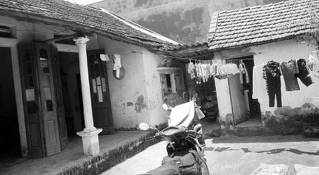 """Vụ ném quả nổ ở Phúc Thọ, Hà Nội: Hàng xóm mâu thuẫn vì tin đồn bị """"cắm sừng"""""""