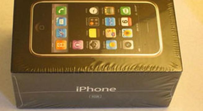 iPhone đời đầu nguyên tem được giá… 10 ngàn USD