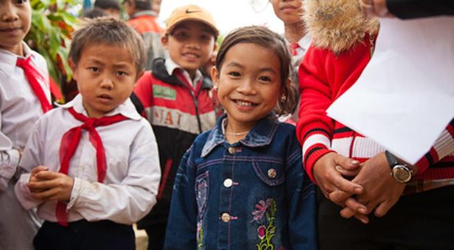 Đi Honda 67 xuyên Việt giúp bà mẹ, trẻ em