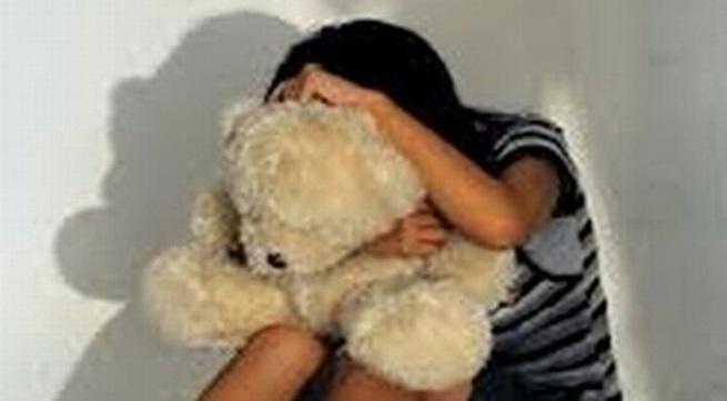 Lợi dụng mẹ vắng nhà hiếp dâm bé gái 6 tuổi