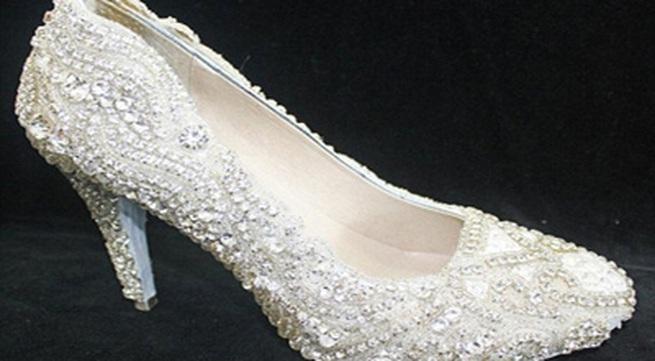 Chiêm ngưỡng đôi giày kim cương đắt nhất thế giới