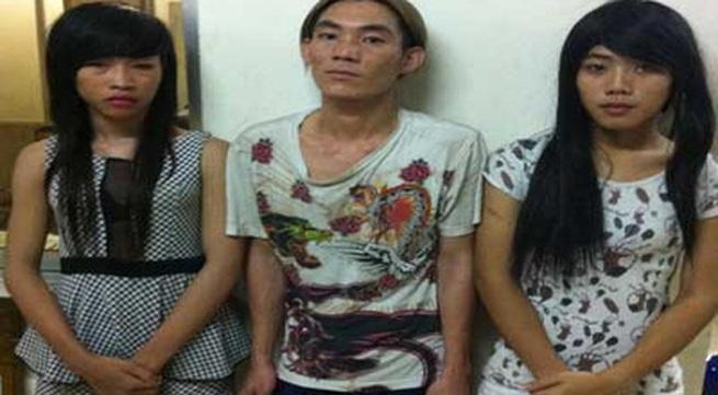 Độn ngực, trang điểm, giả làm gái mại dâm để ăn trộm
