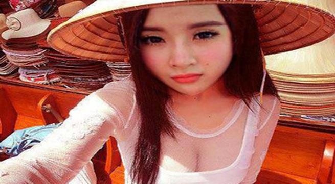 Angela Phương Trinh lại bị ném đá vì mặc áo dài khoe vòng 1 phản cảm