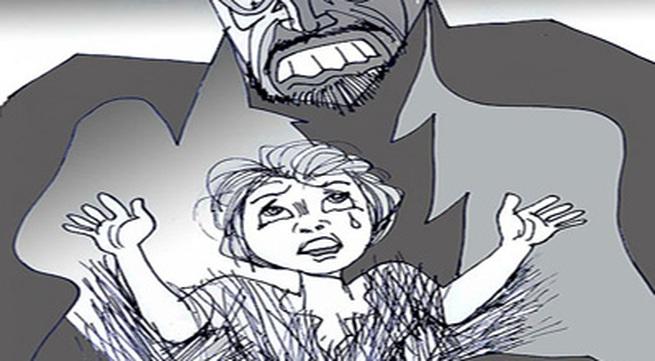 Đến chơi nhà, bạn xâm hại con gái bạn nhiều lần