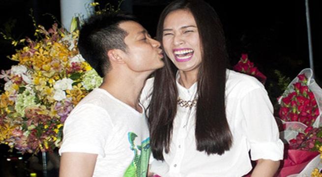 """""""Bạn trai tin đồn"""" hôn Dương Mỹ Linh trong tiệc sinh nhật"""