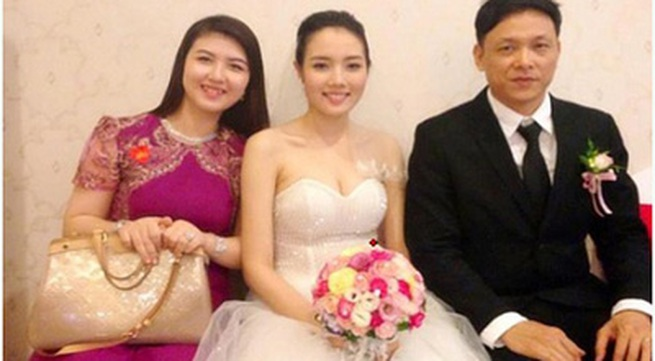 Ngô Quang Hải chăm sóc vợ 9X hết mực vì sắp được làm bố ở tuổi 46