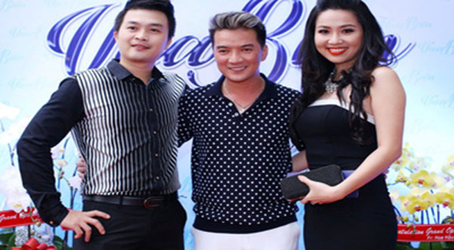 Diễn viên Lê Khánh và bạn trai lần đầu xuất hiện