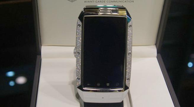 Điện thoại độc nhất Việt Nam giá hơn 600 triệu đồng