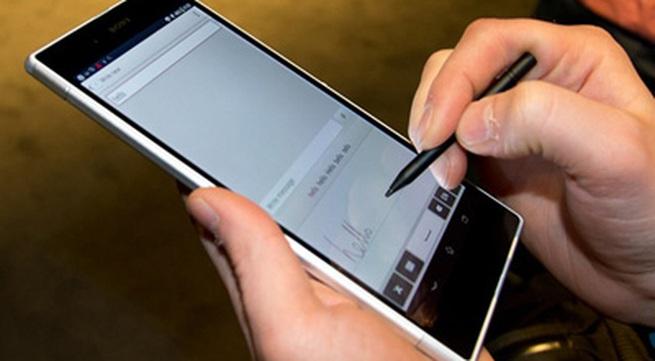 5 smartphone cỡ lớn đáng mua nhất cuối 2013