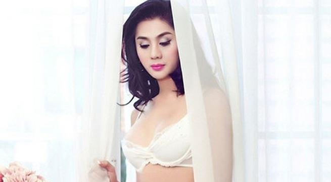 Lâm Chi Khanh quyến rũ với nội y