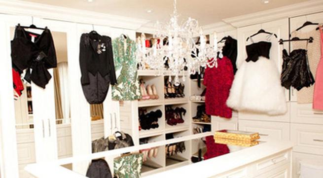 Chiêm ngưỡng tủ đồ thời trang của Victoria Beckham