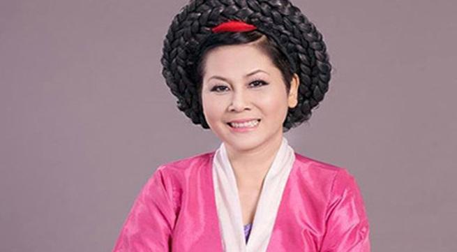 """Minh Hằng làm """"mama Chue"""" trong Táo quân 2014"""