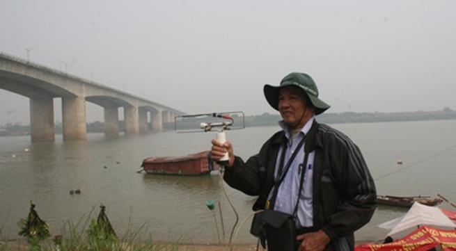 Thi thể nạn nhân vụ TMV Cát Tường có thể nằm gần cầu Thanh Trì