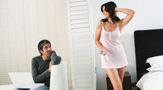 Hở hang để chọc tức chồng cũ