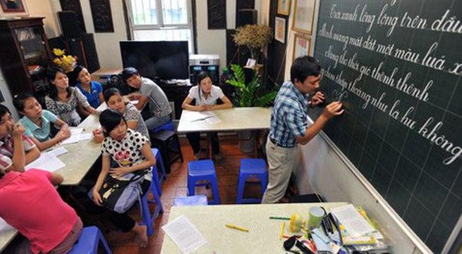 Bỏ luyện viết chữ đẹp: Phụ huynh hồ hởi ủng hộ, giáo viên ngại ngần băn khoăn