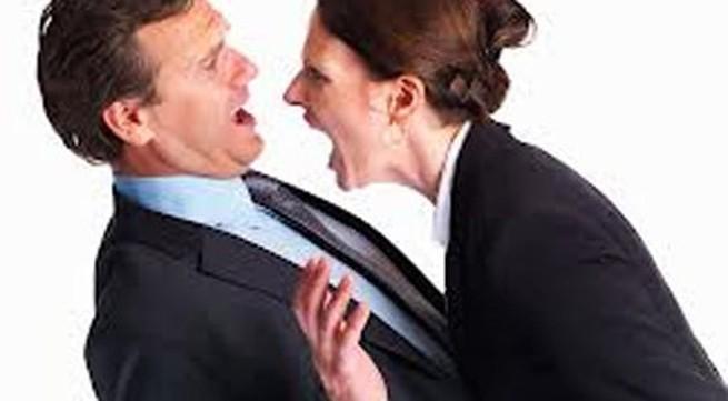 Làm gì khi vợ ngoan bỗng dưng nổi loạn?