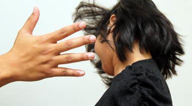 Giáo viên túm tóc, đánh nữ sinh đến bất tỉnh