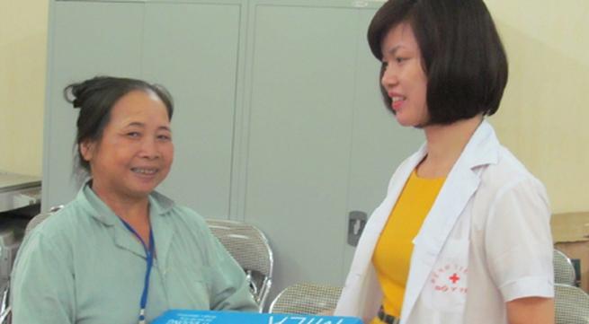20.000 ly sữa TH True milk đến với bệnh nhân nghèo Bệnh viện K