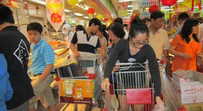 Bị xe đẩy hàng đè chết trong siêu thị