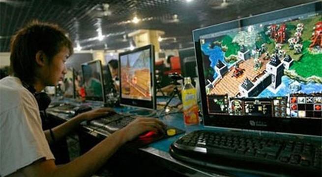 Cha mẹ bán 2 con để kiếm tiền... mua vật dụng ảo trong game