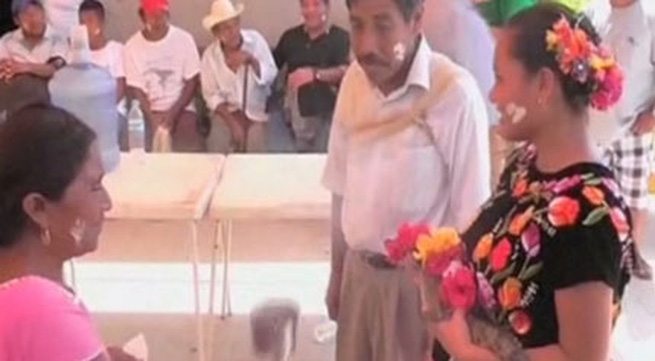 Thị trưởng kết hôn với cá sấu