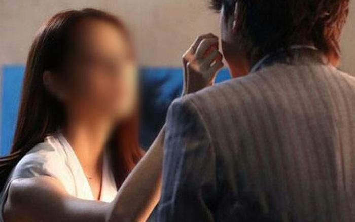 """Bi Hài """"Bùa Phép"""" Giữ Chồng (3): Hôn Nhân Bế Tắc Vì Cho Chồng Uống Bùa Mê  Thuốc Lú"""