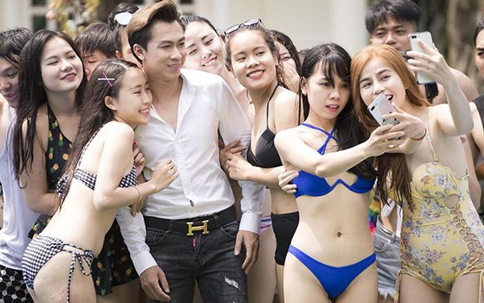 Hồ Việt Trung Thuê Dàn Hot Girl Diện Bikini Bên Bở Bơi đóng Phim 1 Tỷ