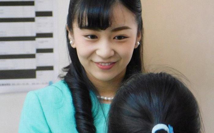 Công chúa Nhật Bản gây bất ngờ trong chuyến công du nước ngoài đầu tiên với màn 'lột xác' từ diện mạo đến...