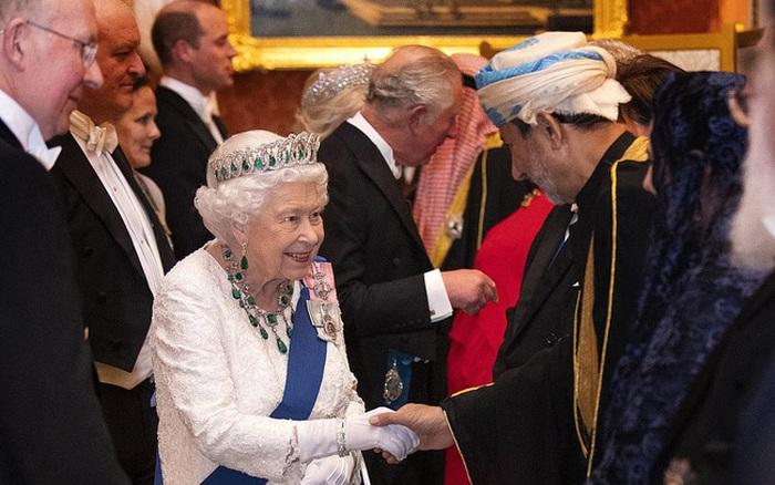 Công nương Kate chiếm hết spotlight trong bữa tiệc ngoại giao, tỏa sáng với vương miện của mẹ chồng quá... - kết quả xổ số bạc liêu