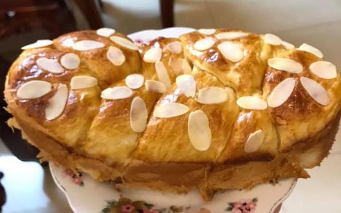 Chỉ cần muốn con có bữa sáng ngon sạch, mẹ nào cũng có thể làm được món bánh mì hoa cúc Pháp bằng nồi...